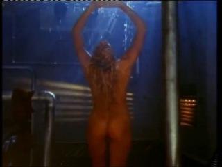 golaya-pamela-anderson-v-porno-klipah